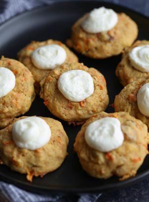 Recette Biscuits à empreinte de gâteau aux carottes   Cookies et Coupes