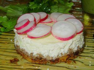 Recette Cheesecake salé au chèvre et radis roses