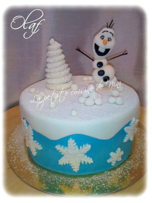 Recette Gâteau Olaf en pâte à sucre