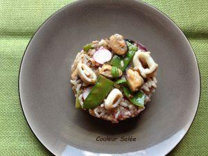 Recette Salade de riz sauvage aux moules, calamars, chorizo et radis roses