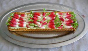 Recette Tarte fraîche aux radis roses crème de fanes