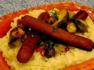 """Recette Pommes de terre en purée, saucisses végétales, sauce """"brune"""", choux de Bruxelles"""