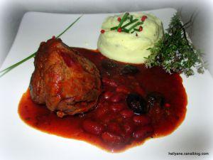 Recette Jarret de Boeuf en sauce tomate avec des haricots rouges et des olives noires