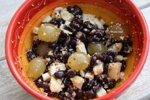 Recette Salade de Haricots Noirs-Raisin-Chèvre-Noisettes