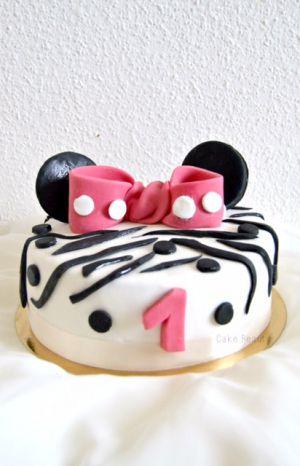 Recette Minnie Cake + Tuto Noeuds Papillon en pâte à sucre