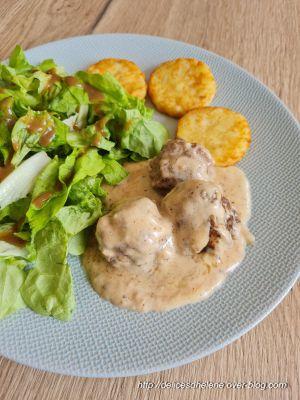 Recette Boulettes onctueuses , sauce au fromage