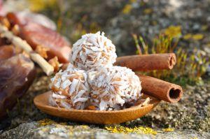 Recette Friandises du Moyen-Orient à la datte et aux noix