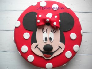 Recette Encore un gâteau Minnie ! (pâte à sucre)