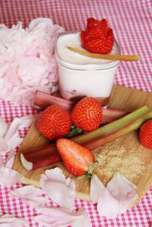 Recette Yaourts maison fraise rhubarbe