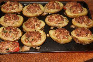Recette Pommes de terre farcies aux deux viandes