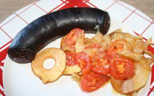 Recette Boudin noir de Mortagne au four sur lit de pomme et tomate
