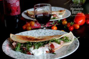 Recette Piadine à la burrata, mortadelle de Bologne et tomates confites