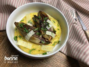 Recette Endives caramélisées et polenta crémeuse aux herbes, citron et pecorino