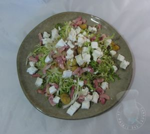 Recette Salade composée chaud froid au fromage de chèvre et châtaignes