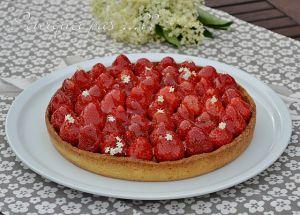 Recette Tarte fraises / fleurs de sureau / amande