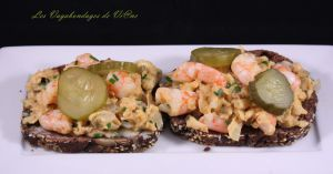 Recette Friandises de Büsumer (tartines aux œufs brouillés et crevettes)