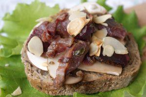 Recette Bruschetta aux champignons, gésiers de canard et amandes