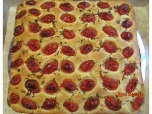 Recette Focaccia des Pouilles aux tomates cerises et à l'origan