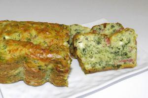 Recette Cake aux fanes de radis, lardons et chèvre
