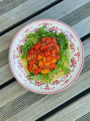 Recette Spaghetti, sauce aux tomates cerises et roquette