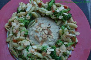 Recette Pâtes aux brocolis et amandes, sauce au thon
