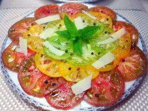 Recette Carpaccio de tomates aux 3 couleurs