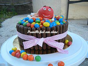 Recette Gateau m&m's - m&m's cake - personnage en pâte à sucre