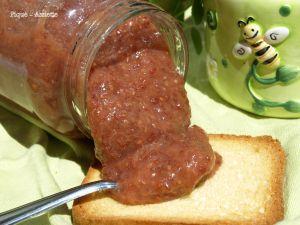 Recette Confiture de rhubarbe et fraises aux graines de Chia. (Recettes au Companion ou pas ...)