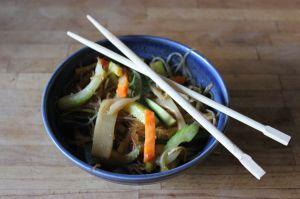 Recette Vermicelles sautés aux légumes et à la sauce de haricots noirs
