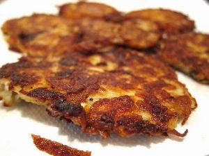 Recette Latkes (râpés de pommes de terre) et sauce compote de pommes (cuisine juive)