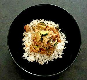 Recette Riz à la courgette, champignons, lait de coco, pâte de curry rouge et coriandre