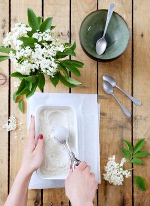 Recette Glace végétale aux fleurs de sureau