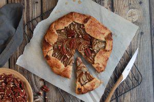 Recette Tarte rustique poire, pécan & sirop d'érable