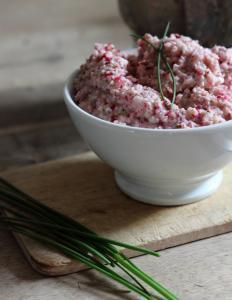 Recette Tartinade toute rose au radis, échalote, chèvre et ciboulette