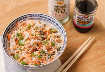 Recette Salade de vermicelles de riz à la coriandre et cacahuètes